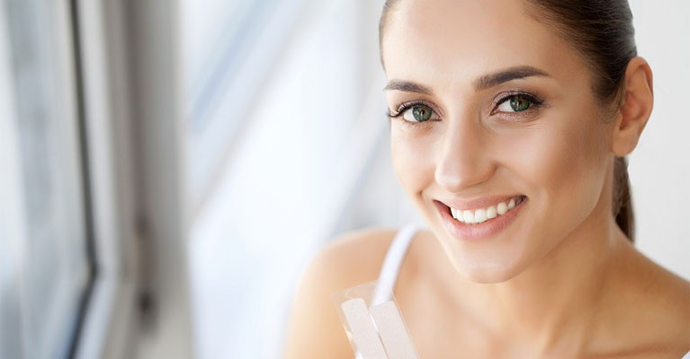 Teeth Whitening At Home Vs. A Dental Office - Https://www.westondental.ca/blog/teeth-whitening-home-vs-dentist/